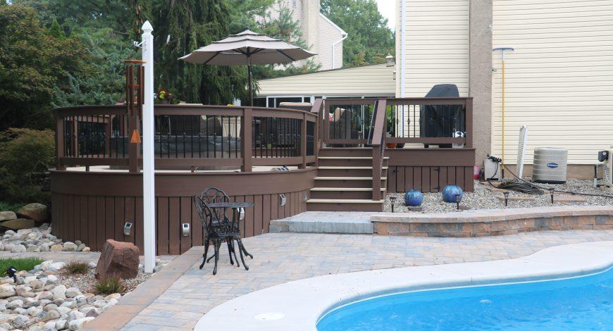 Azek deck, decks, vinyl decks, low maintenance decks, deck railings